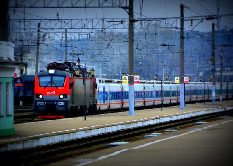 Между Смоленском, Санкт-Петербургом и Москвой пустят дополнительные поезда