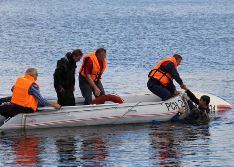 В Рославльском районе в озере нашли утопленника