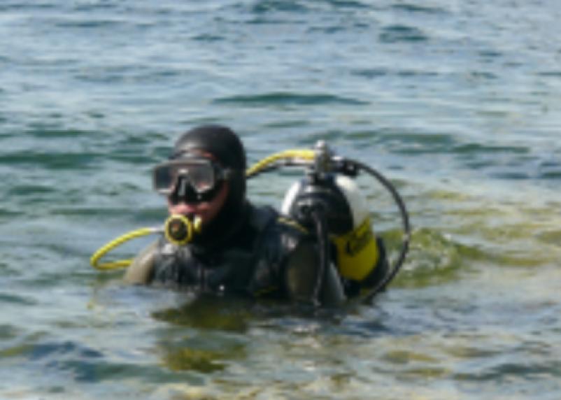 В Смоленской области водолазы подняли из озера тело мужчины
