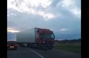 Жёсткое ДТП с фурой на окружной Смоленска попало на видео