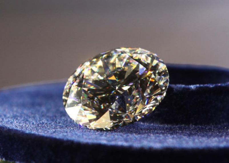 Стало известно, кто купил самый крупный бриллиант в России