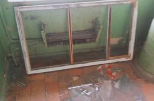 Ремонт по-смоленски: кирпич в доме сносят вместе с антеннами