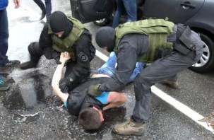 Вор в бегах. В Смоленске на Желябова задержали преступника в розыске