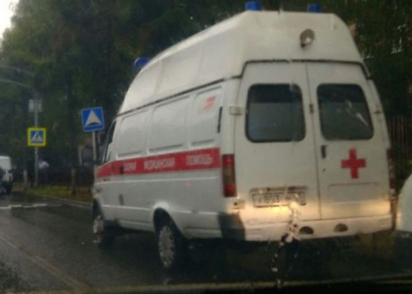 В Тёмкинском районе подросток на мопеде снёс мужчину. Пострадавшего госпитализировали