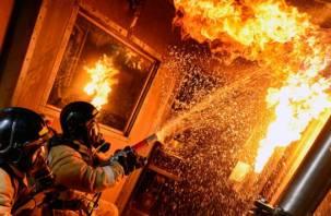 В Смоленске поджигают двери квартир?