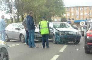 В Смоленске ДТП на Бабушкина собрало пробку