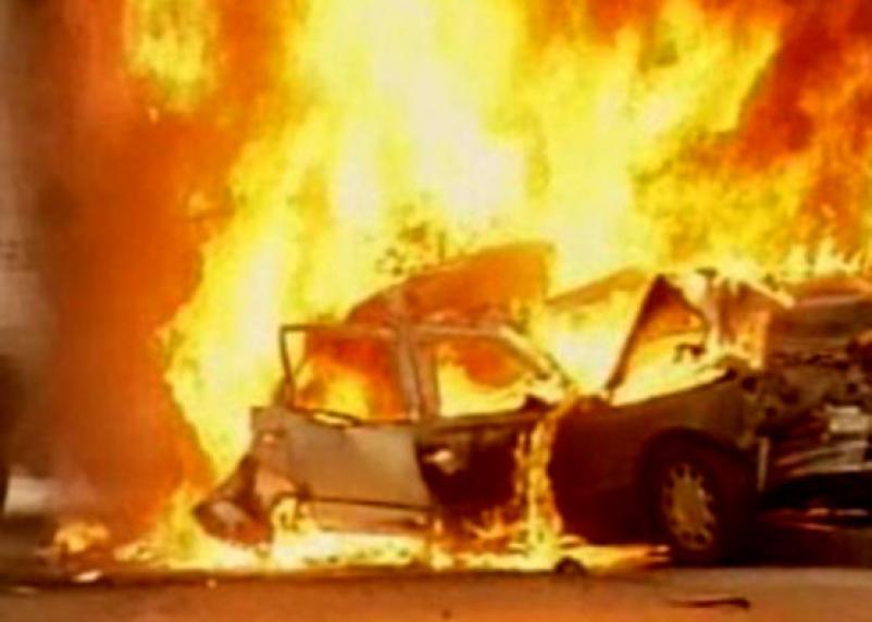 В Смоленской области сгорели 123 автомобиля. Каждая третья сгоревшая машина — дело рук поджигателей