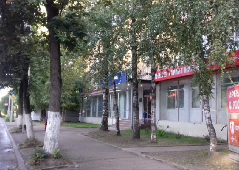 В Смоленске банк «захватывает» территорию сквера памяти жертв аварии на Чернобыле?