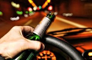 В выходные по смоленским дорогам разъезжали пьяные водители
