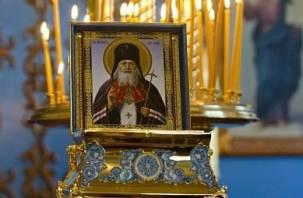В Смоленск привезут мощи небесного покровителя Крыма