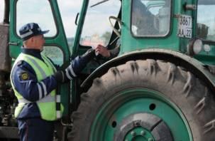 В Смоленске полиция поймала тракториста от Бога