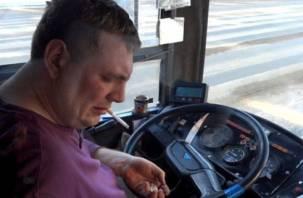Смолянка пожаловалась на хмурых и недоброжелательных водителей автобусов