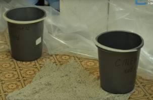 «Поехала» крыша: смоленские единороссы полгода ремонтируют детскую поликлинику