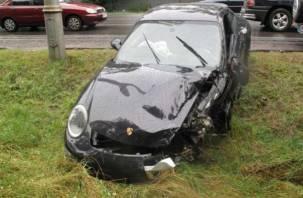 В Смоленской области водитель Porsche Cayenne припарковался в кювете