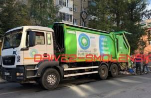 Саратовские чиновники боятся, что смоленскую технику на параде закидают мусором