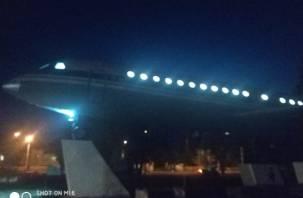 В Смоленске на Покровке засиял самолёт