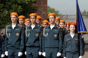 В Смоленске пополнились ряды юных спасателей. Новобранцы МЧС приняли присягу