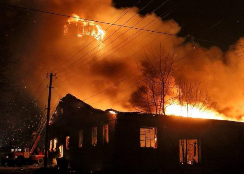 В Рославльском пожаре погиб мужчина