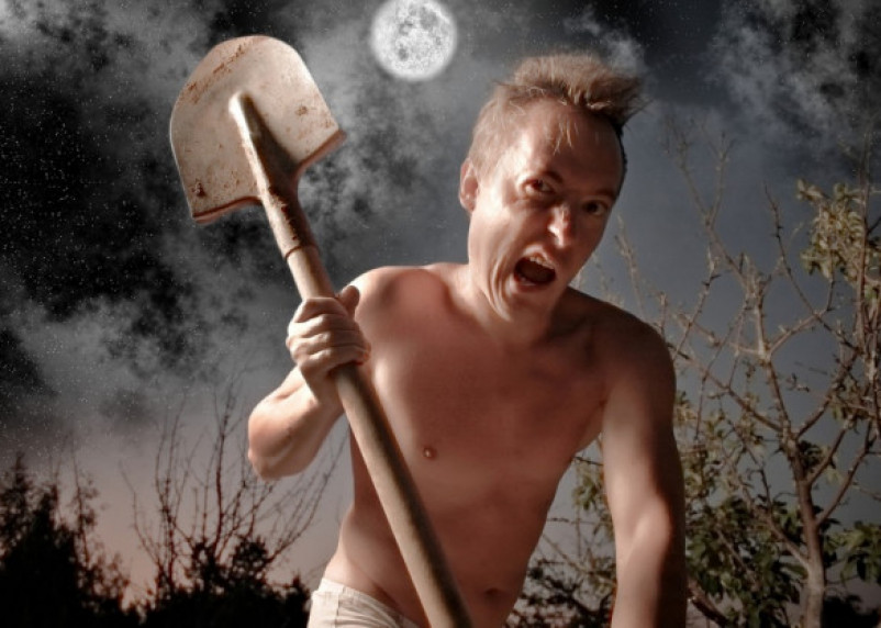 Смолянин избил соседа лопатой в порыве гнева