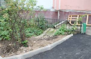 Активисты ОНФ вновь отметили плохое качество ремонта дворов в Смоленске