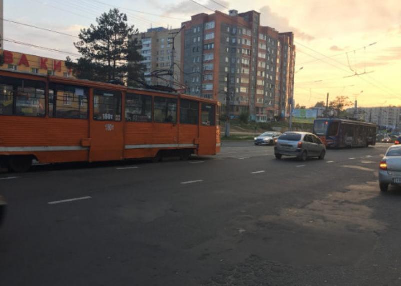 В Смоленске закрыто движение трамваев на улице Николаева