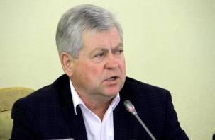 «Сына посадим, жену уволим»: как сбываются предвыборные обещания в Смоленской области