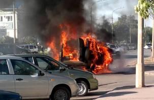 В Смоленской области  «УАЗ» загорелся на глазах у автовладельца