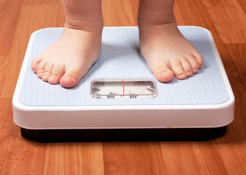 Ученые озвучилинеобычную причину ожирения у детей