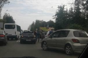 В Смоленске ДТП на Лавочкина спровоцировало пробку