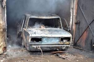 В смоленском поселке дотла сгорела «семерка»
