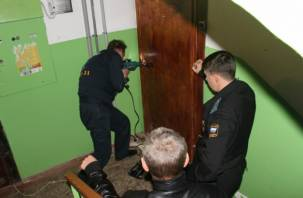 В Смоленске бывшего контрактника выселяли из служебной квартиры принудительно