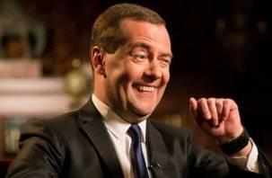 «Заявление» Медведева о новом повышении пенсионного возраста стало вирусным