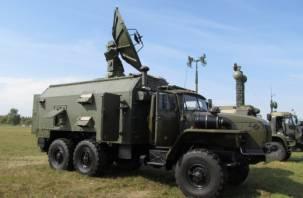 Смоленские военные получили новейшие образцы техники связи