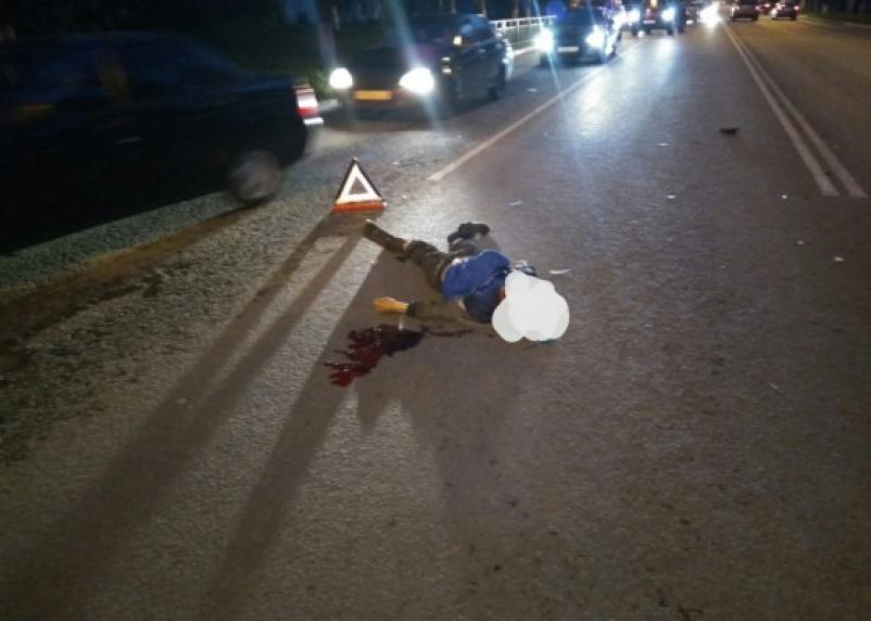 В Смоленском районе фура насмерть сбила мужчину