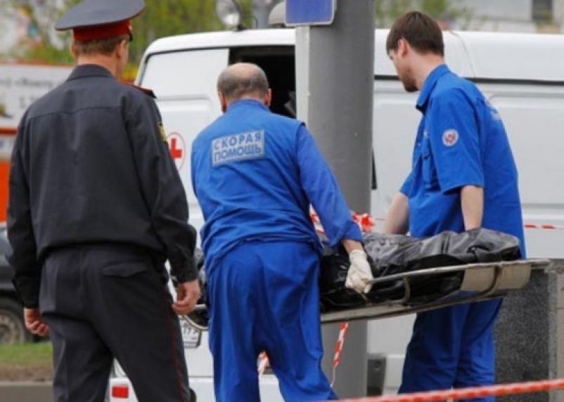 В Смоленске на остановке обнаружили тело мужчины