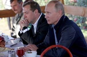 Владимир Путин раскрыл секрет работоспособности, подняв стакан