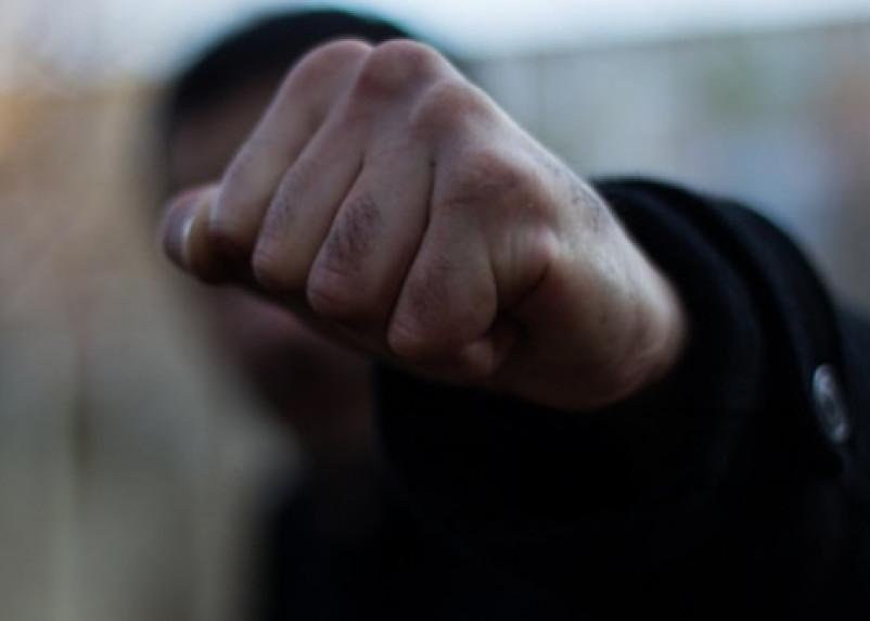 В Смоленске разыскивают очевидцев избиения девушки у ТРЦ «Макси»