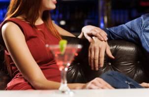 В Смоленске у девушки украли в клубе сумку с деньгами