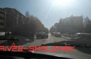 В Смоленске на Кловке «тройничок» блокировал движение