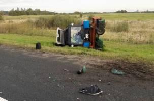 Трое смолян попали в страшное ДТП с трактором, один из них погиб