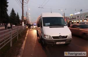 «Выпил водки с приятелем»: пьяный водитель вез пассажиров из Твери в Смоленскую область