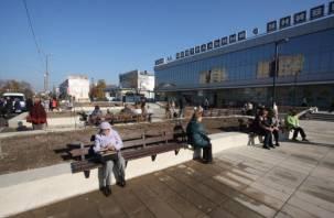 «Хай так»: в Смоленске торжественно открыли «недоделанный» сквер возле ЦУМа