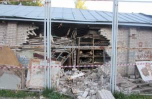 Руководитель смоленской школы ответит в суде за обрушение стены на ребенка