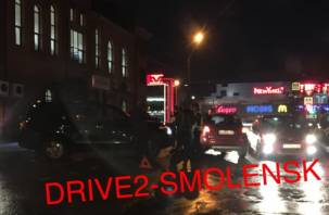 В Смоленске ДТП на Соколовского спровоцировало пробку