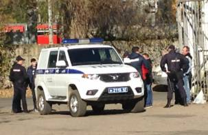 Смоленские автослесари устроили битву за рабочее место. Потребовалась помощь скорой и полиции