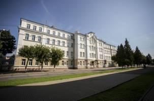Выпускники Смоленского педуниверситета увидят себя на фотопанно