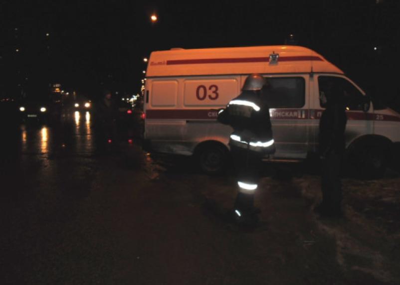 Битва двух большегрузов на трассе М-1 завершилась госпитализацией дальнобойщика