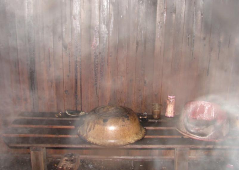 В Смоленской области из горящей общественной бани эвакуировали людей