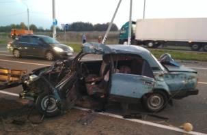 Подробности аварии в Смоленске с зажатым в машине водителем