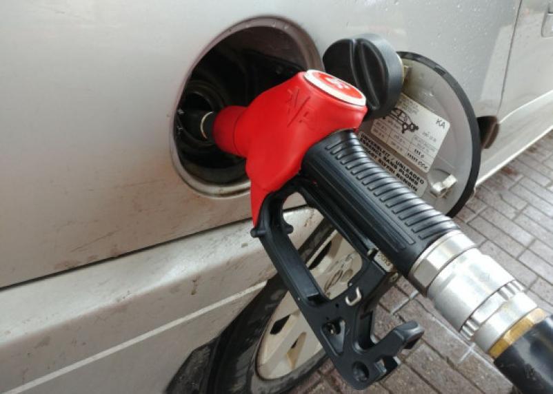 На 1 копейку. За 7 дней в России выросли розничные цены на топливо